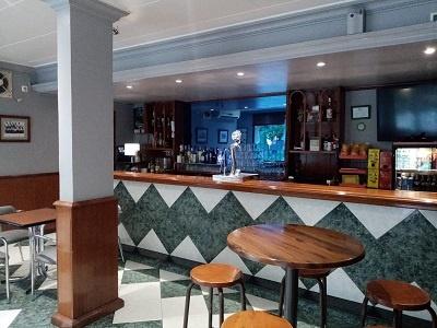 interior pub al-andalus