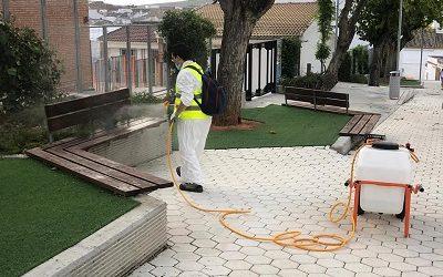 El Ayuntamiento de Cañete de las Torres reanuda el servicio de desinfección de las calles y mobiliario urbano